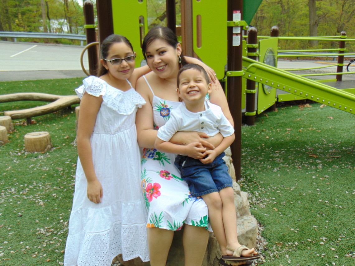 Renee Ulloa and her daughters